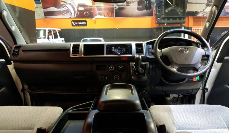 2017 Toyota Quantum 2.7 GL Bus 14s full