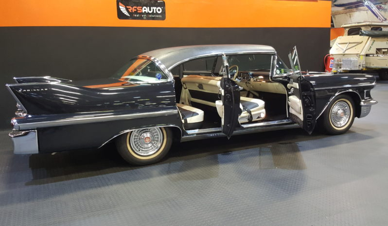 1958 Cadilac Sedan deVille V8 full